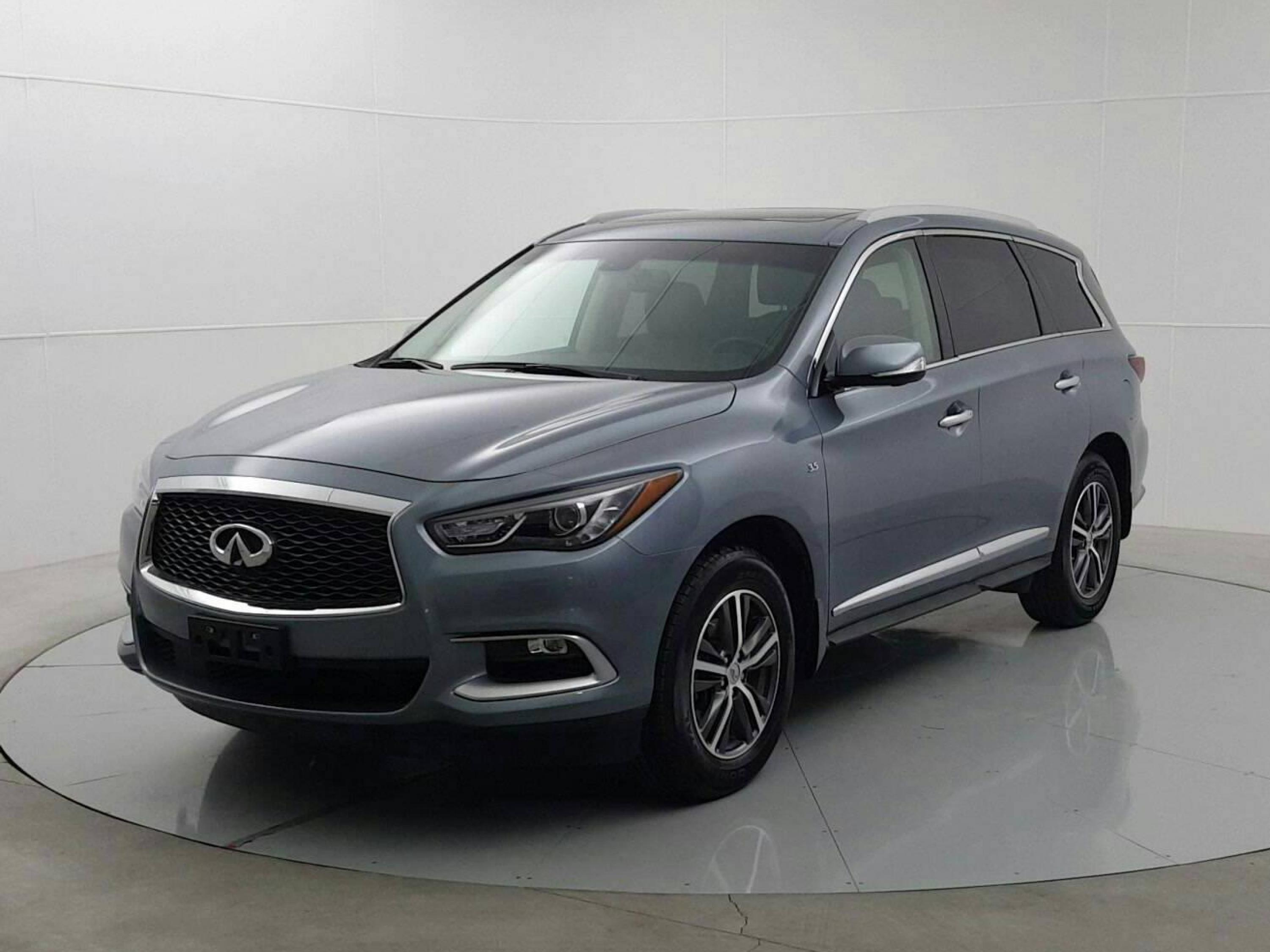 Pre-Owned 2016 INFINITI QX60 Base *Local One Owner and Low Km*