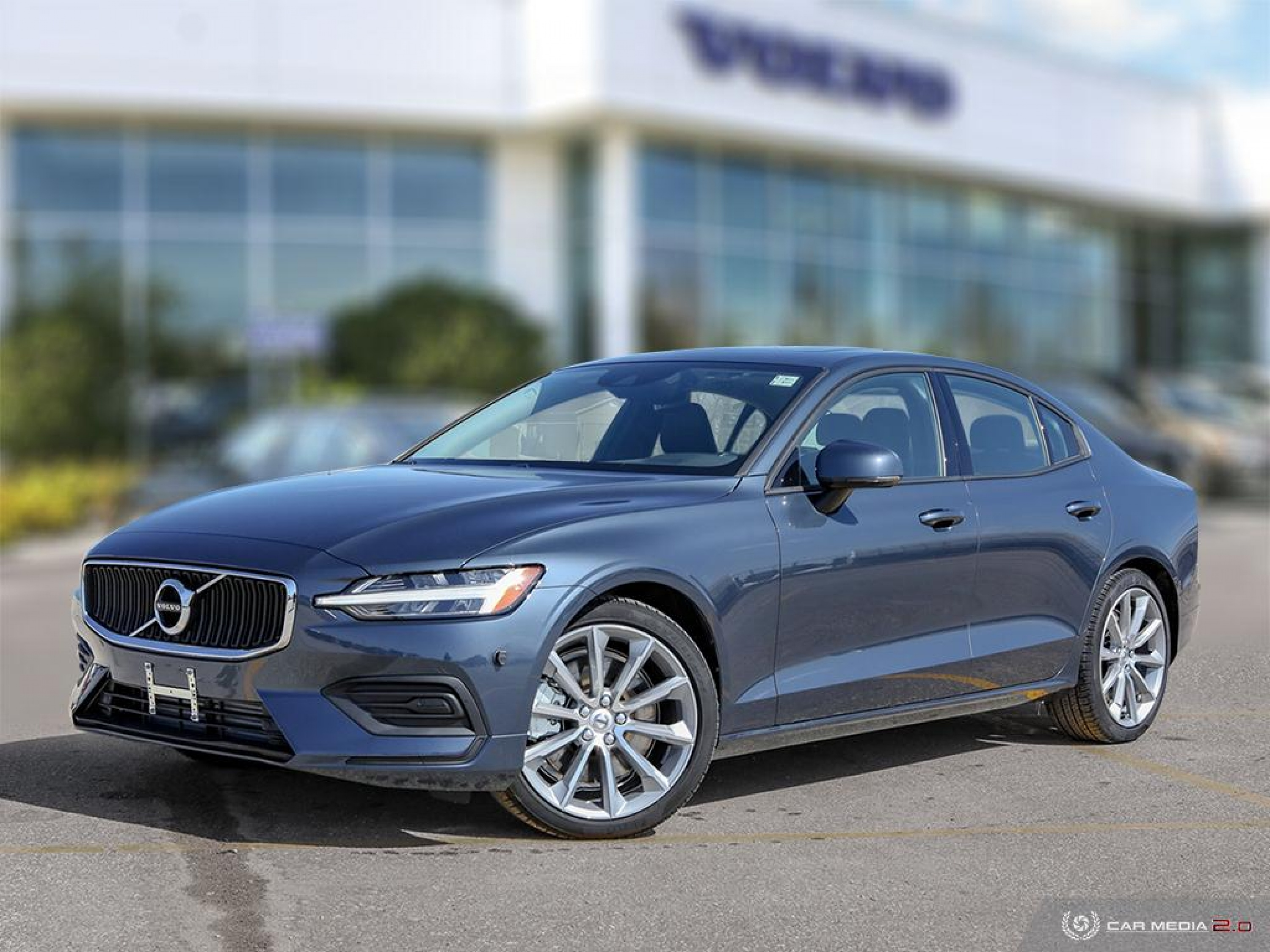 New 2020 Volvo S60 Momentum | Spacious Sedan For The Whole Family