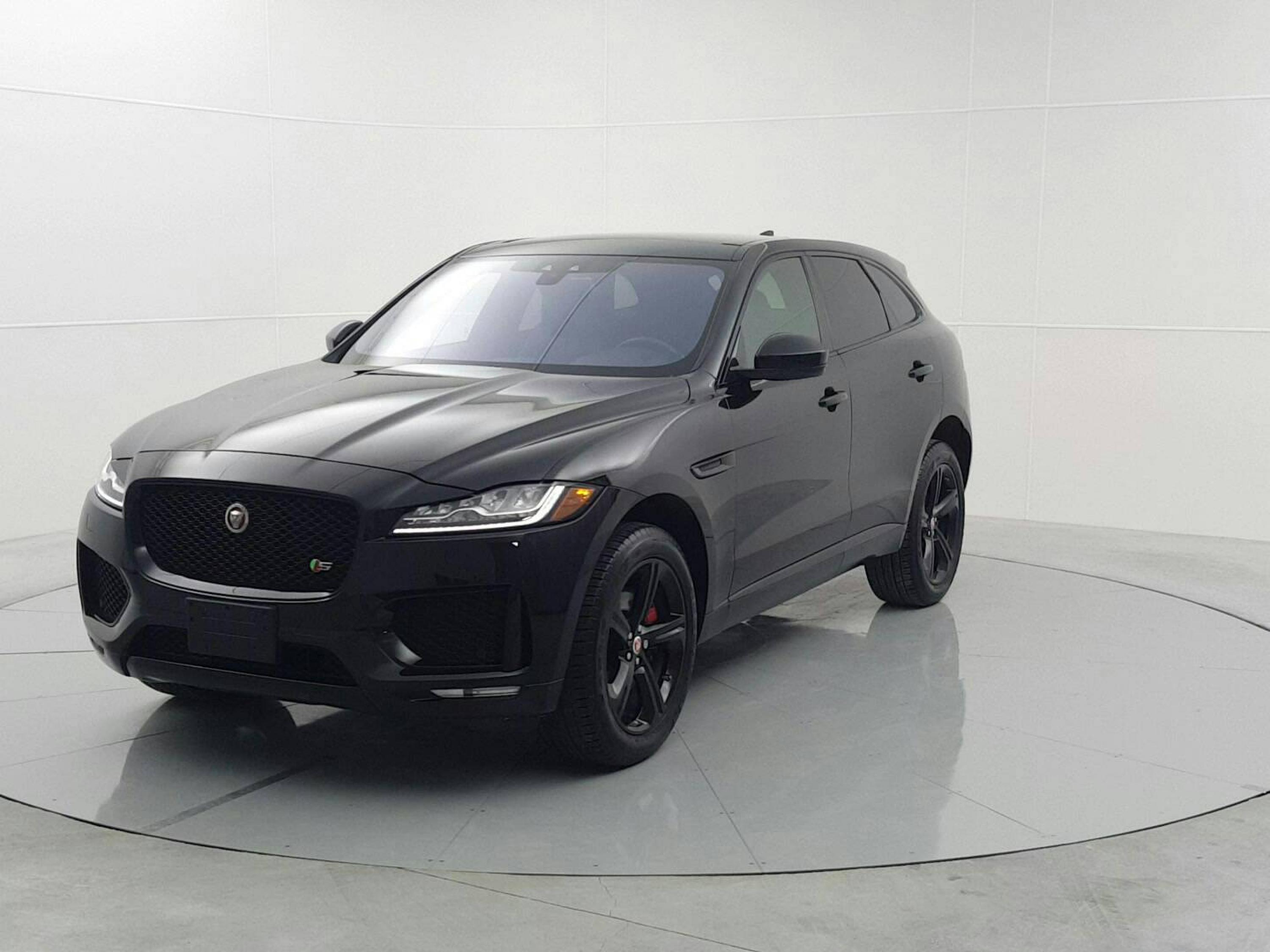Pre-Owned 2017 Jaguar F-Pace S April Special: 90 Day Payment Deferral!