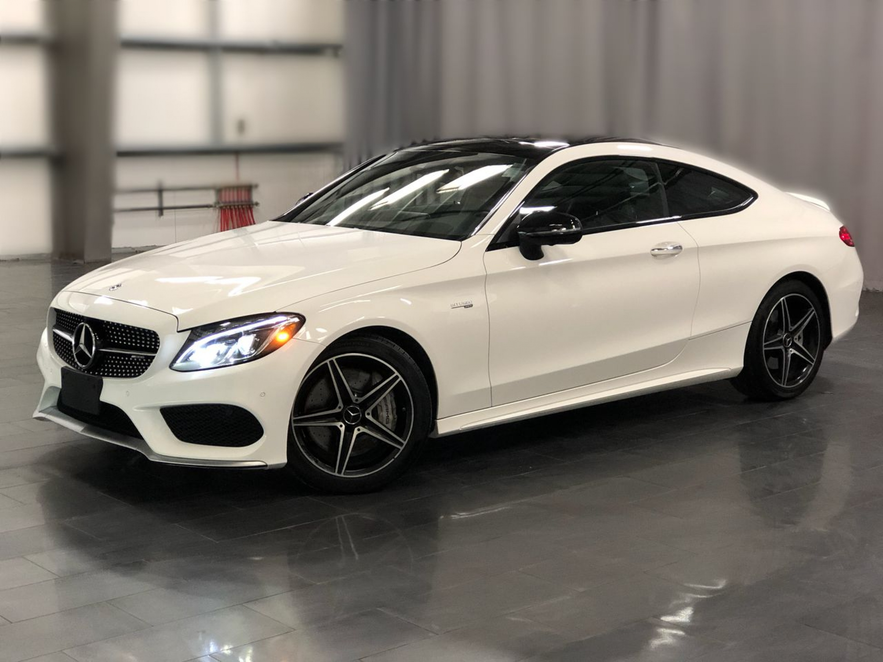 Pre-Owned 2018 Mercedes-Benz C-Class AMG C 43 *Polar White-How Christmasy*