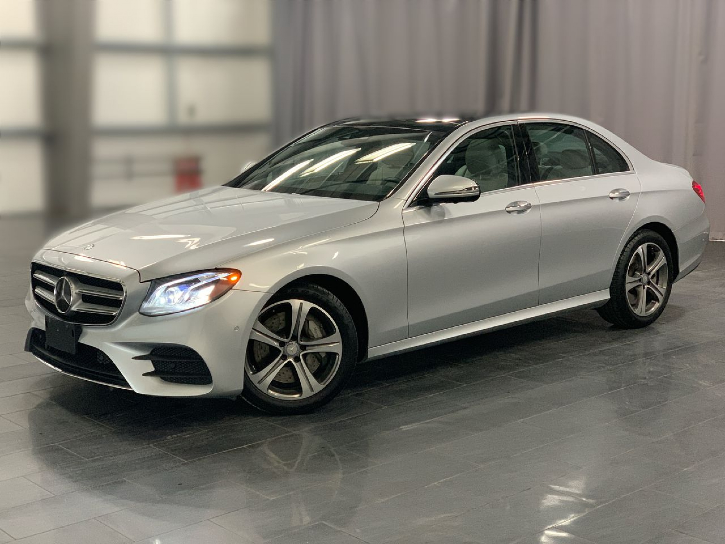 Pre-Owned 2017 Mercedes-Benz E-Class E400 *Local Trade* *4Matic*