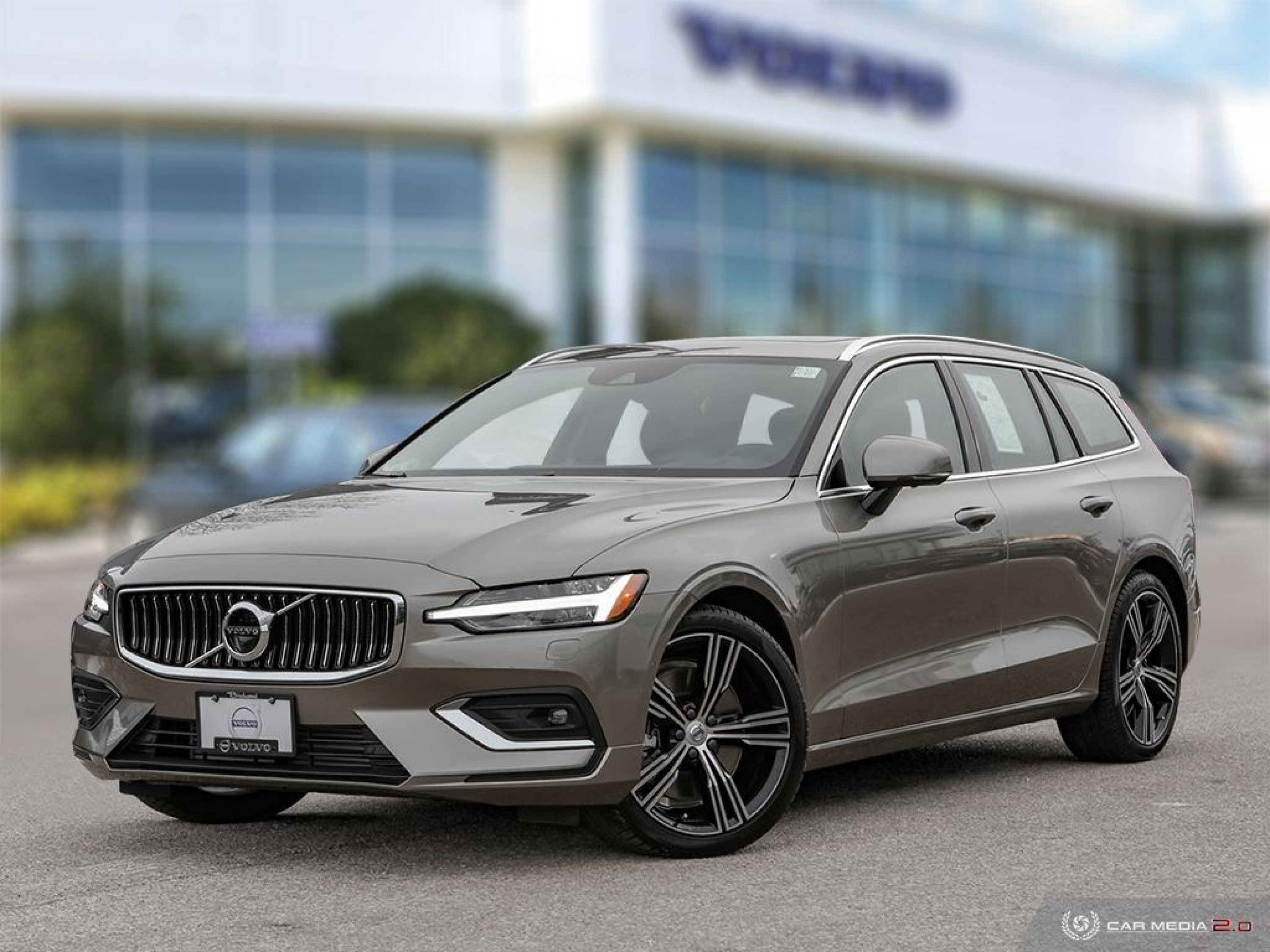 New 2019 Volvo V60 T6 Inscription