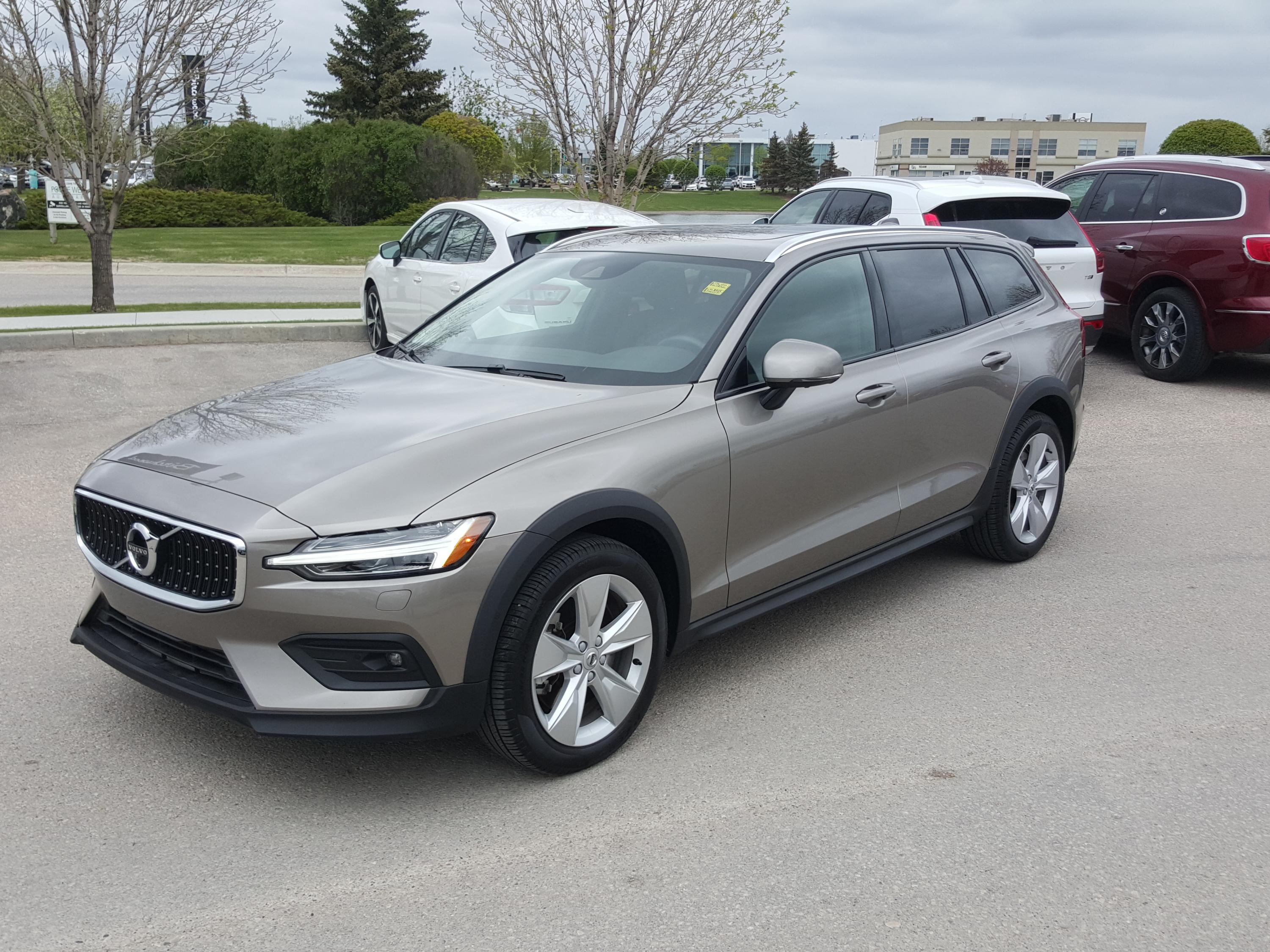 Certified Pre-Owned 2019 Volvo V60 Momentum Includes The Certified Program For Free!