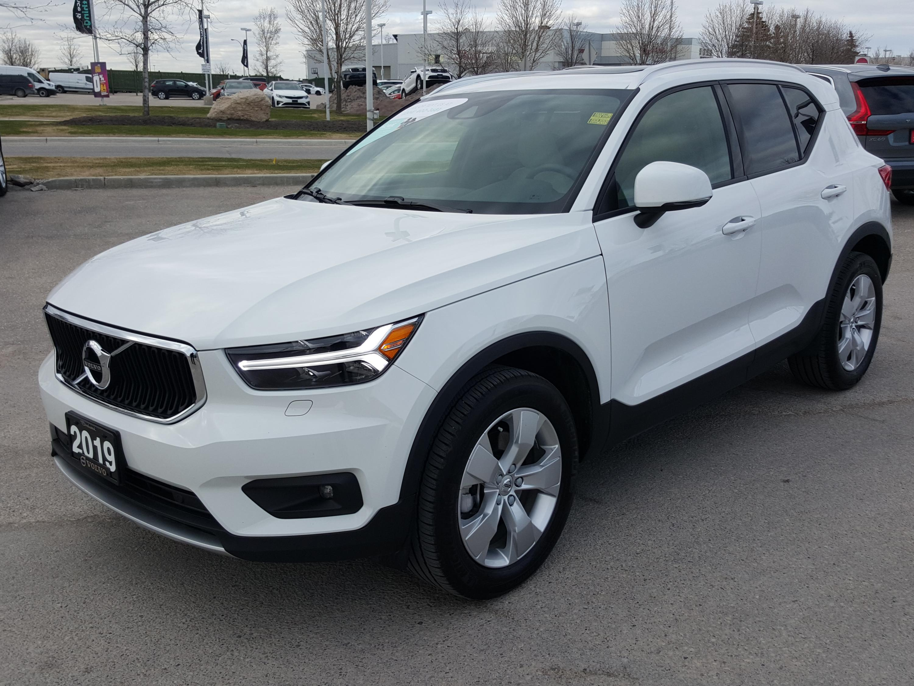 Pre-Owned 2019 Volvo XC40 Momentum May Special: No Payments For 6 Months oac