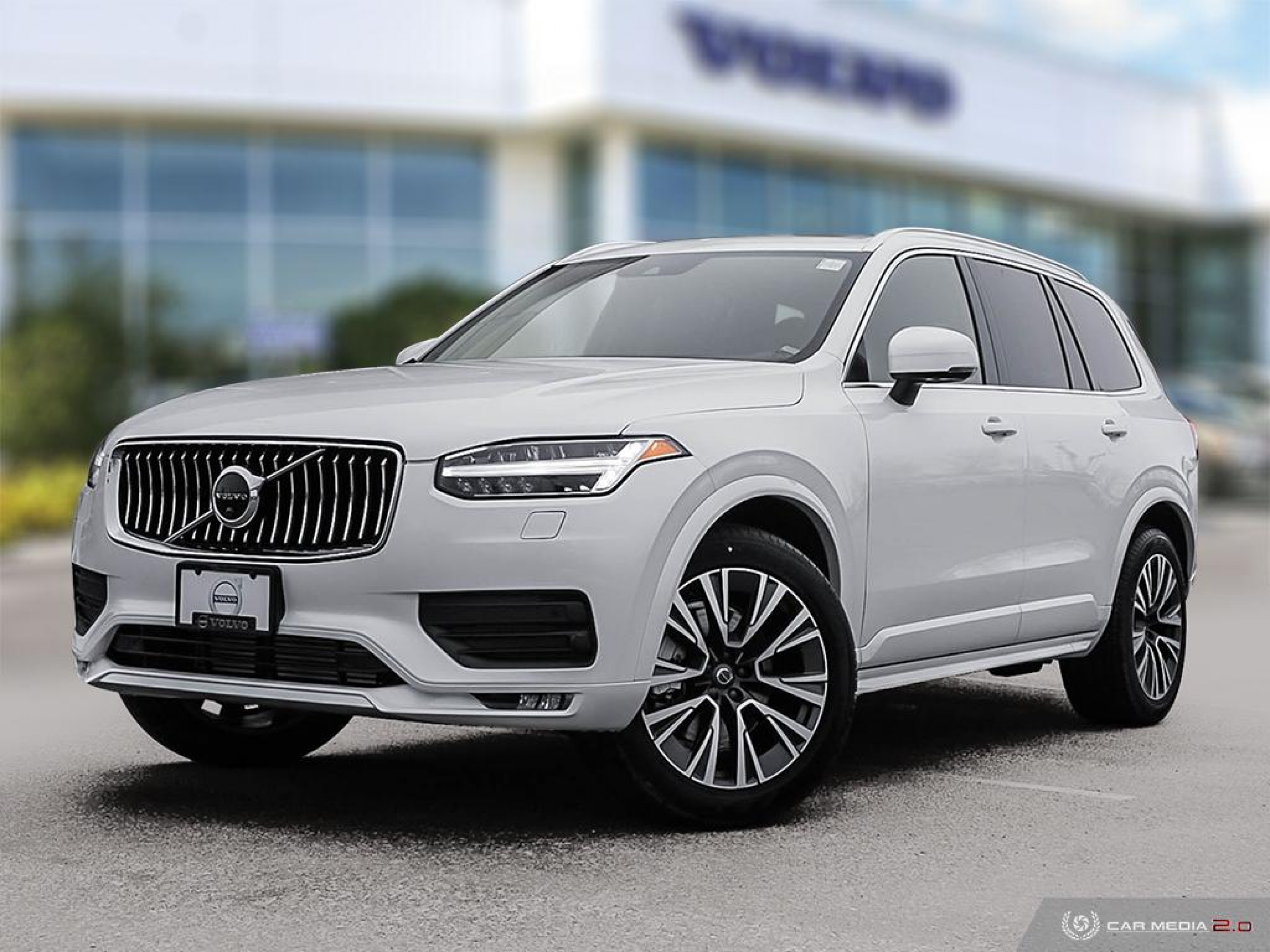 New 2020 Volvo XC90 Momentum | Class-Leading Safety