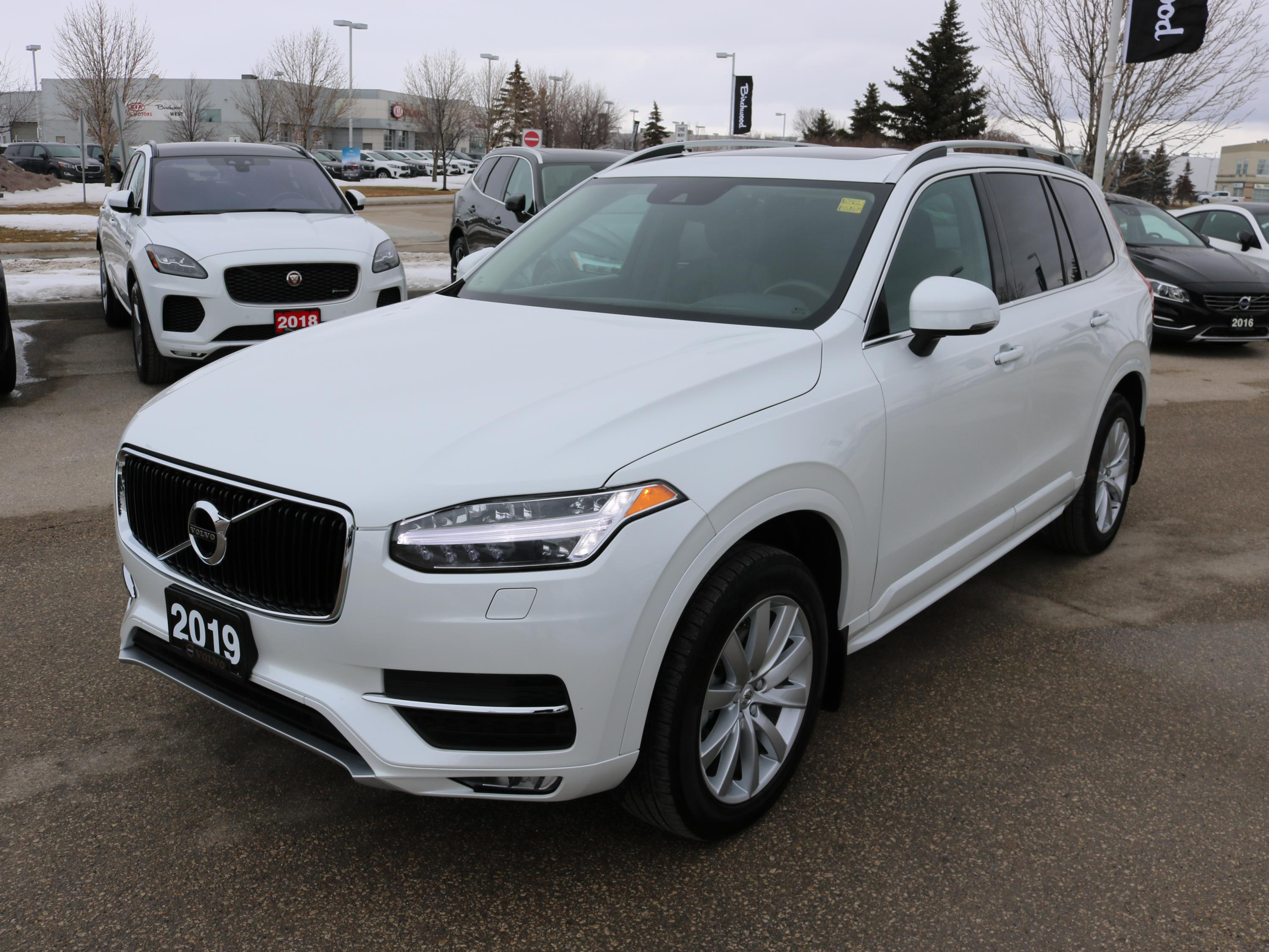 Pre-Owned 2019 Volvo XC90 Momentum April Special: 90 Day Payment Deferral!